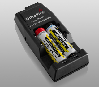 Battery Charger WF139 Li-Ion with car-adapter